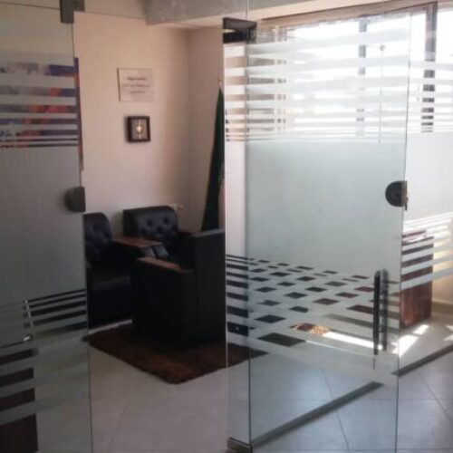 تولید،نصب و اجرای شیشههای نشکن میرال